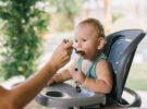 Tronas evolutivas para bebés: 5 ventajas de esta elección